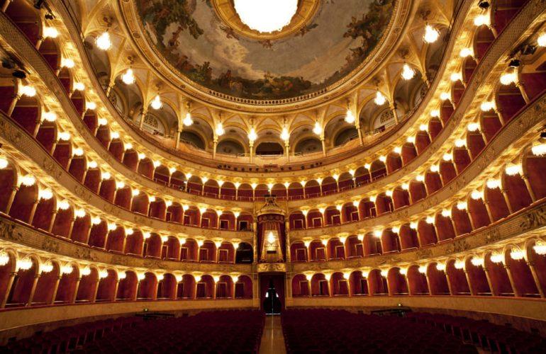 La comparsa dei teatri a Roma, dagli antichi a oggi